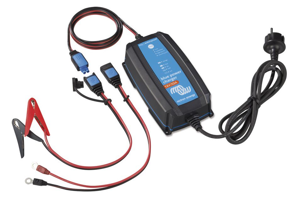 Blue Smart IP65 Charger 12/7(1) 230V CEE 7/17 Retail