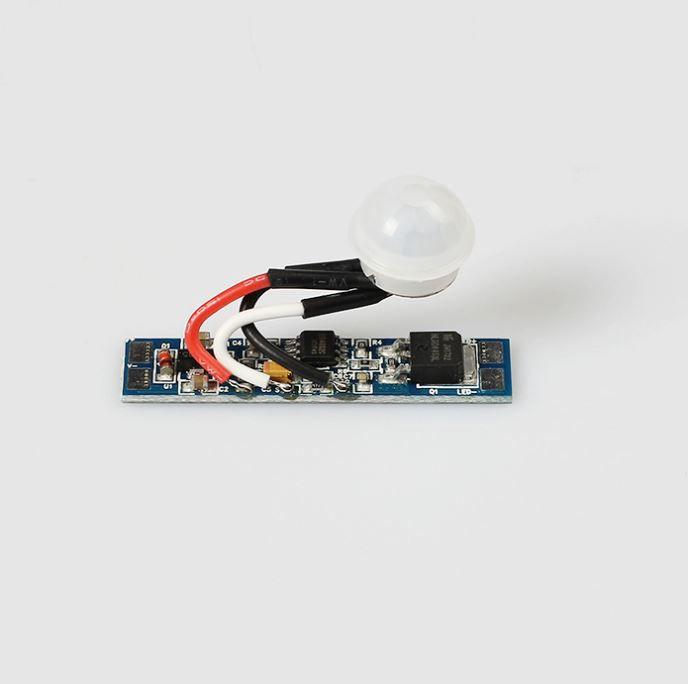 LED juostos judesio daviklis 12-24Vdc, 8A, montuojamas į profilį
